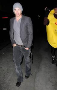 kellan-at-my-house-nightclub-and-java-juice-costume dude :P