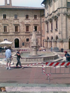Montepulciano Fountain complete