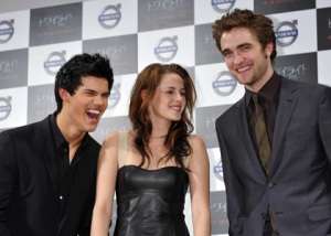 taylor kristen and rob in tokyo
