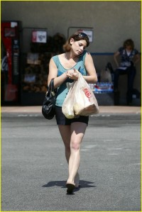 Ashley Greene leaves Ralphs