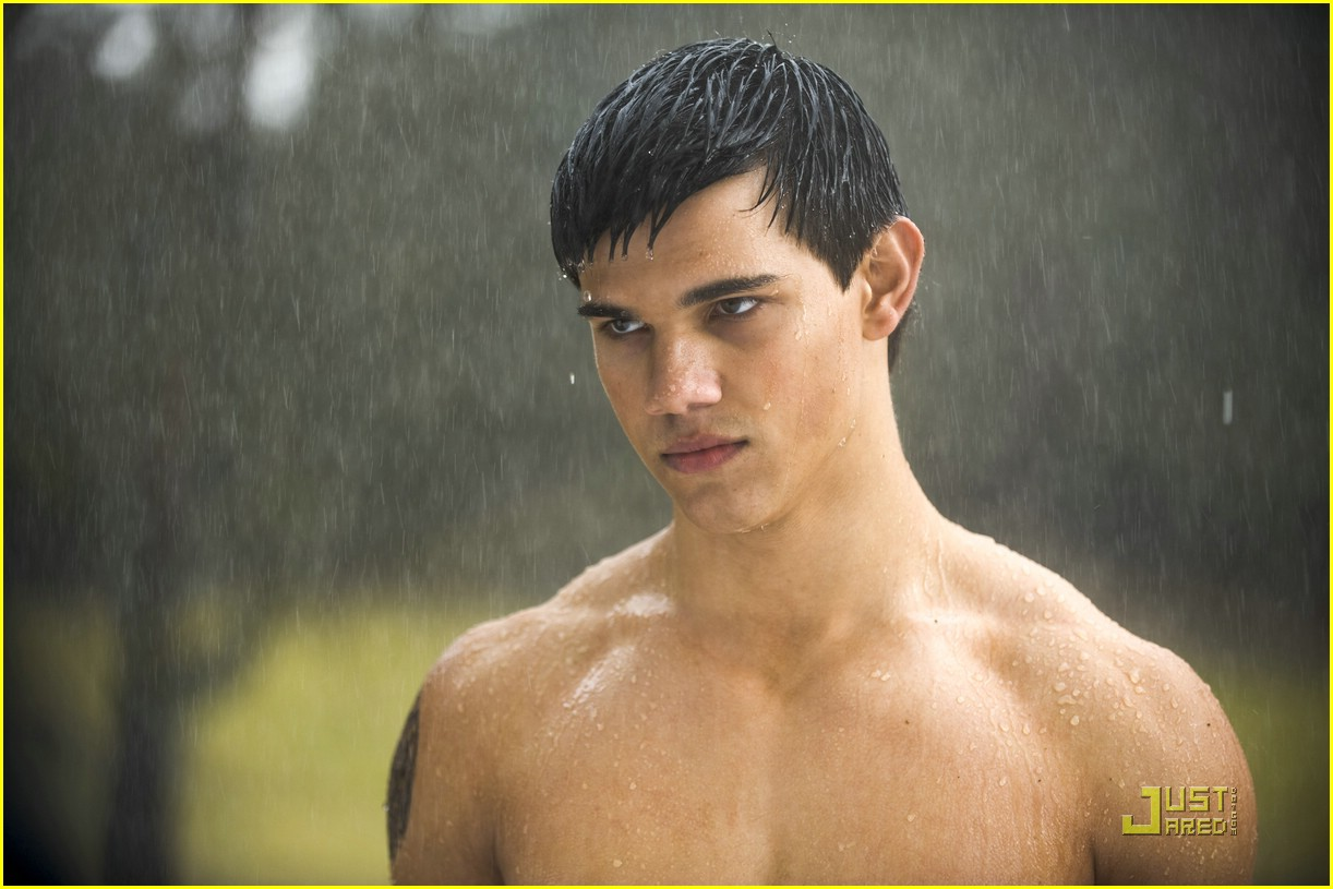 http://twilightbookaddicts.files.wordpress.com/2009/06/jacob-black-still.jpg