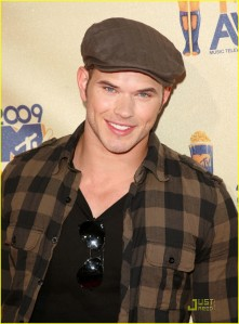 Kellan Lutz MTV Movie Awards