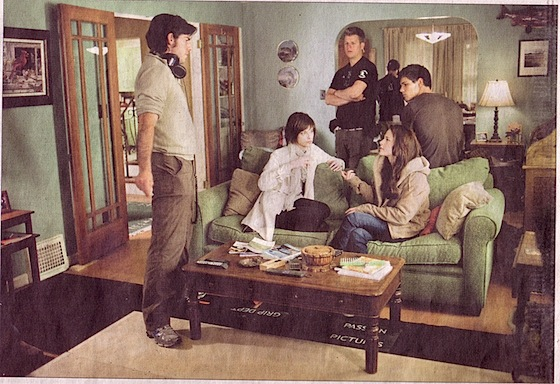 Alice, Bella and Jacob new moon set pic