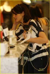Ashley and Marlow go Shopping4