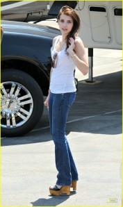 Emma Roberts Valentine's Day Set