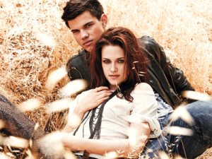 Kristen and Taylor EW Photoshoot