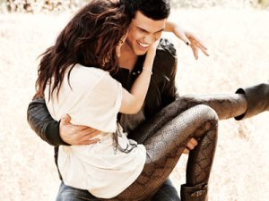 Kristen and Taylor EW Photoshoot3