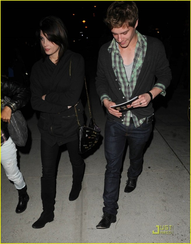 Ashley Greene and Xavier Samuel at 100 Monkeys Concert