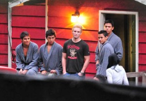 Peter Facinelli and Wolfpack Members on Eclipse Set3