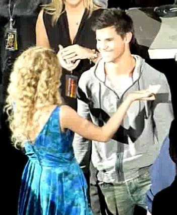 Taylor S and Taylor L Hug