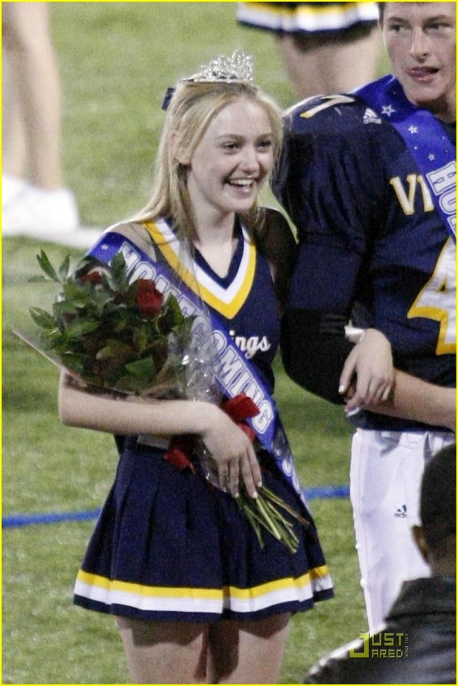 Dakota Fanning Homecoming Princess2